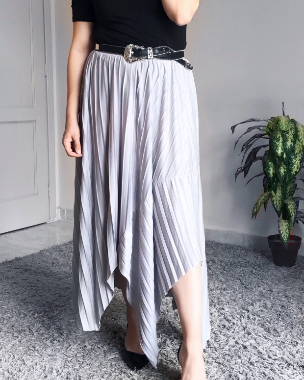 My Zara Finds: Metallic Silver Skirt